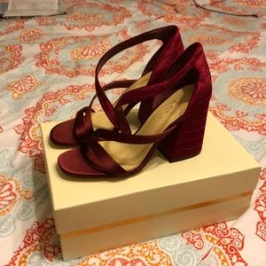 Size 8 Vince Camuto heels